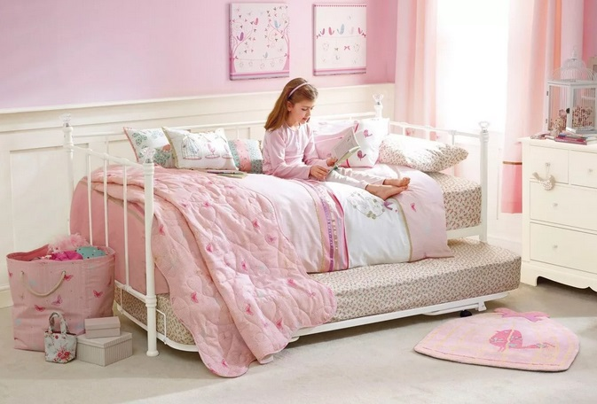 уютная постель для ребенка